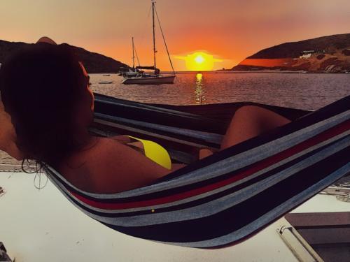 Fikiada, Kithnos. Super relax al tramonto.